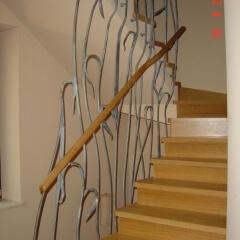 balustrady-metalowe-ze-drewniana-porecza-b-185b