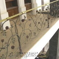 balustrady-porecze-schodowe-polerowany-mosiadz-pnacze-roz-b161b