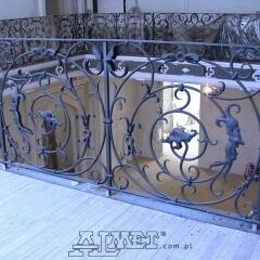 balustrady-schodowa-wewnetrzna-metalowa-kuta-w-stylu-gotyckim-b160a