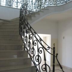 balustrady-porecze-schodowe-kute-metalowe-mosiezna-b176