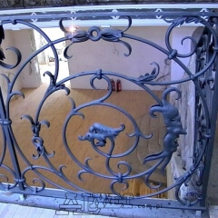 balustrady-schodowa-wewnetrzna-metalowa-kuta-w-stylu-gotyckim-b160c